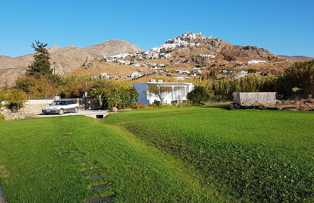 Το σπίτι Αύρα στον Αυλώμονα στην Σέριφο έχει 2 υπνοδωμάτια, κουζίνα και μπάνιο