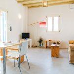 Το σπίτι για ενοικίαση Νέκταρ έχει μοντέρνα αισθητική που συνδυάζει το μοντέρνο με το παραδοσιακό της Σερίφου