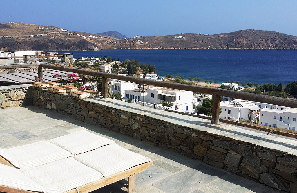 Villa Anemi, house for rent with view to the sea of Serifos